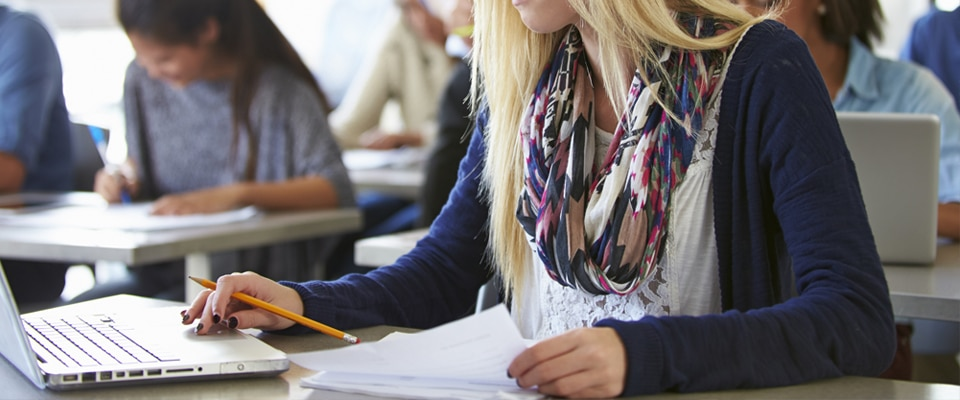 la-importancia-del-tutor-online.jpg
